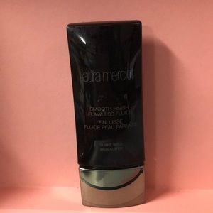 Laura Mercier Smooth Finish Foundation - Honey